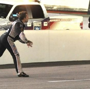 Tony Stewart Throws Helmet At Matt Kenseth - Bristol Motor Speedway (NASCAR Cup Series)