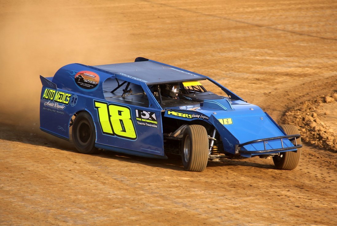 Lightning Dirt Chassis Builder Website Strikes The Web Don Adams